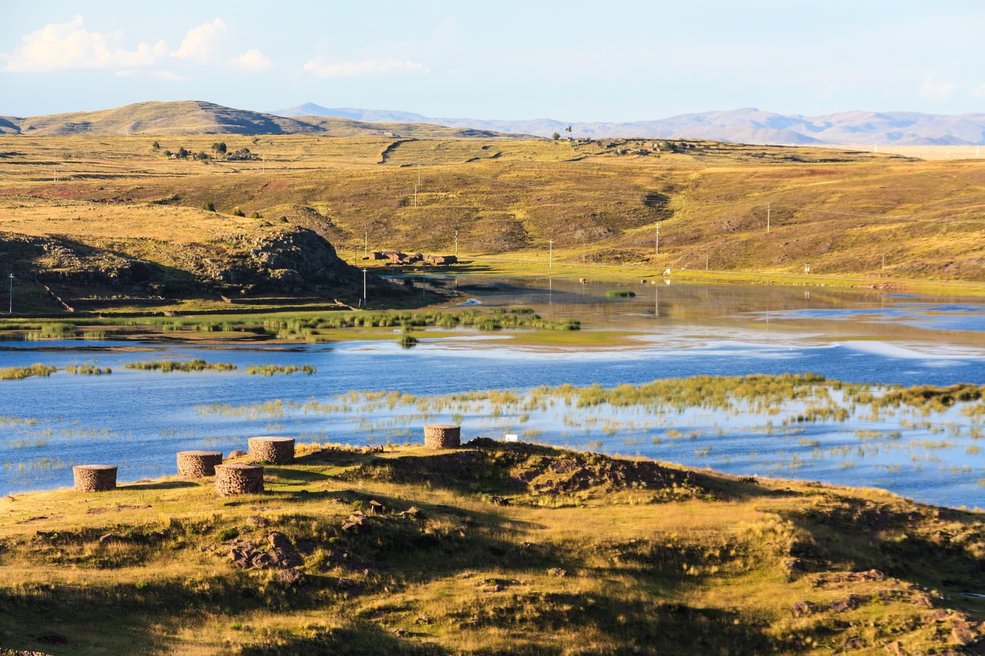 QosqoExpeditions - sillustani tombs towers